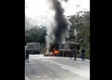 Motorista morre após bater contra caminhão na Serra Dona Francisca
